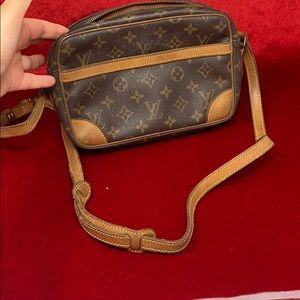 authentic Louis Vuitton monogram  Trocadero 23